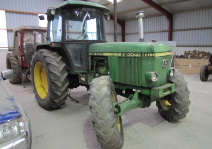 john deere 3040 tractor breakers